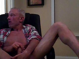 Tiempo divertido viendo porno gay