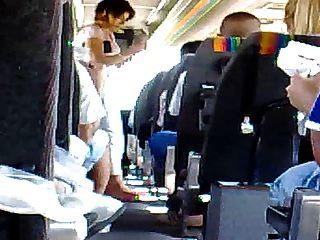 Masturbación en el autobús 2 drkanje u busu 2