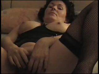 Abuelita francesa se lleva al orgasmo