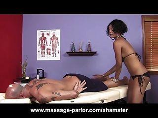 Tetas grandes masaje de ébano 69 y corrida