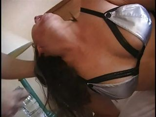 British slut jenny loveitt da una mamada desagradable