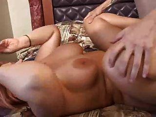 Las mujeres grandes del titty se follan para usted los ventiladores del bbw