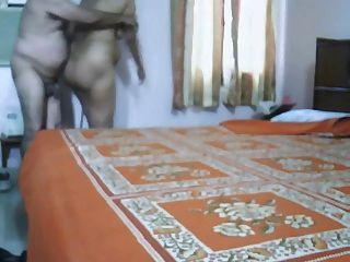 Maduro, indio, pareja, hacer, amor, dormitorio