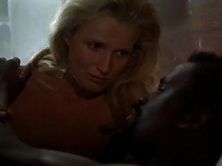 Rubia mujer blanca con el hombre negro interracial softcore