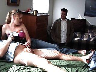 Rubia caliente sacude a su novio
