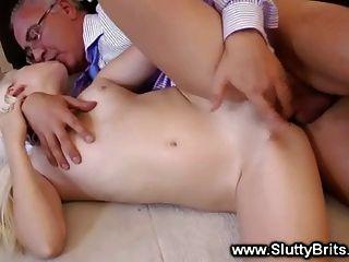Rubia bebe se caliente viejo chico fucking y le encanta