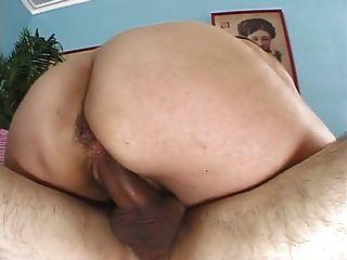 Milf peludo sexy se deshuesa