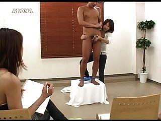 Asia handjob 2girls 1 hombre