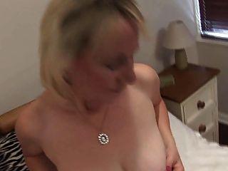 Mujer madura masturbación
