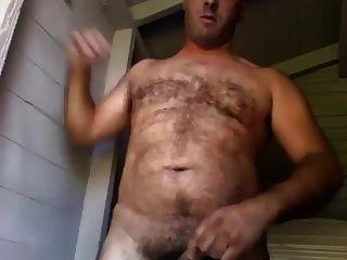 Chubby bear jerking paja de osazo gordete