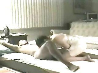 Esposa elaine en el piso de la sala de estar 4 (cornudo)
