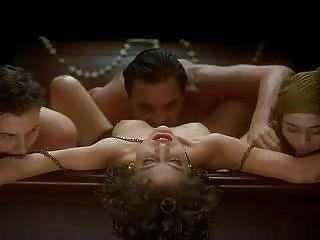 Alyssa milano abrazo del vampiro