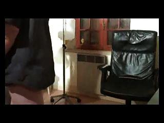 Francés peludo maduro cumple con el doc y juega con él parte 1