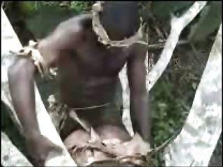 Africanos aficionados trío al aire libre