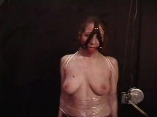 Castigo mamario lesbiano