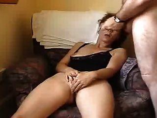 Marido y mujer se masturban en la cámara delantera