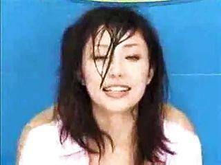 Periodista japonés follado en la emisión