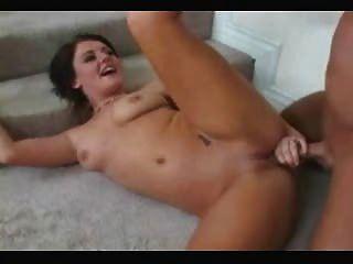 Morena caliente anal y facial