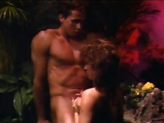 Ashlyn gere \u0026 peter north en un baño de selva