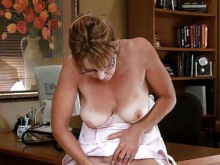 Samantha piedra masturbación oficina