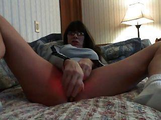 Milf maduro orgasmo duro en la cama