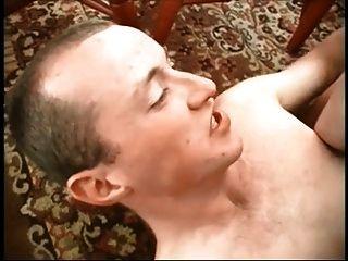 Puta madura con sus chicos bi