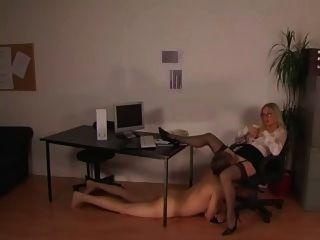 Ein tag im buero sólo otro (hj) día en la oficina