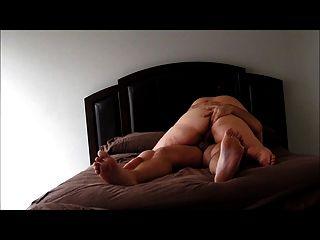 Caliente milf curvy monta a su hombre