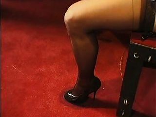 Sumiso francés mujer madura parte 2