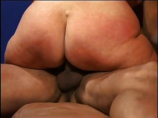 Chubby rubia abuelita follada por el hombre joven