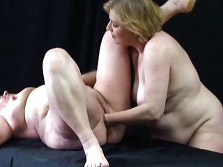 Otro par de grandes abuelitas lesbianas 2