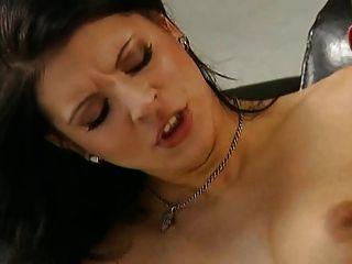 Doble penetracion vaginal a putita de rojo por turyboy