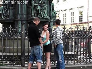 Grupo de sexo en grupo en el centro de la ciudad parte 1