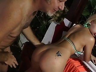 Viejo jake follando a una chica brasileña