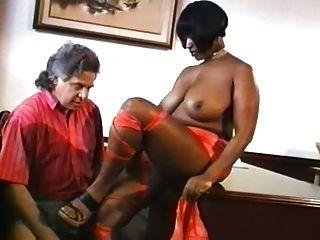 Estrella de ébano jugosa en boobsville bellezas negras # 2