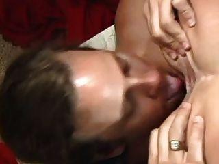 Milf triguena con grandes tetas en acción anal