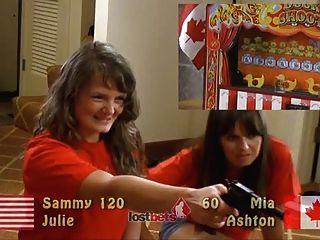 Aficionados hotties jugando juegos de sexo