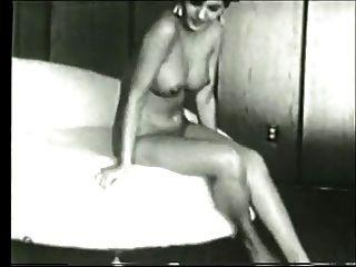 Vintage: busty vixens 1 de 2