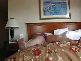 Mujer de negocios solo en un hotel