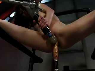 Aiden ashley machine fucked 1 de 3