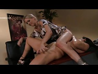 Julia ann y raylene estrellas porno más calientes