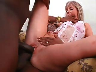 Rubia interracial dp
