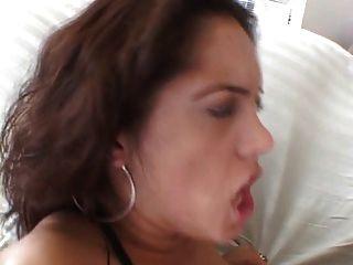 Tetas grandes chick obtiene su culo golpeado