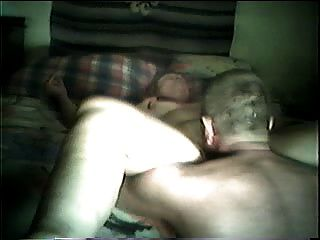 Comiendo el coño de la abuela al orgasmo (por edquiss)