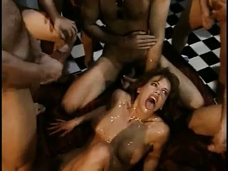Bukkake orgía