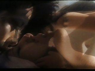Nuhuan dama en el calor escena lesbiana