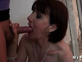 Sextape de un milf francés anal follada y facialized