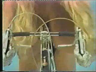 Tina pequeños paseos en bicicleta + pic homenaje.
