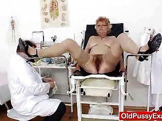 Gramma peludo vagina necesita un examen de gatito
