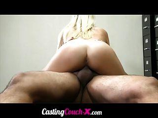 Castingcouch x sexy estudiante universitario de 20 años casting for